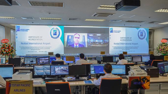 Sân bay Nội Bài được cấp chứng nhận an toàn chống dịch Covid-19 - Ảnh 1.
