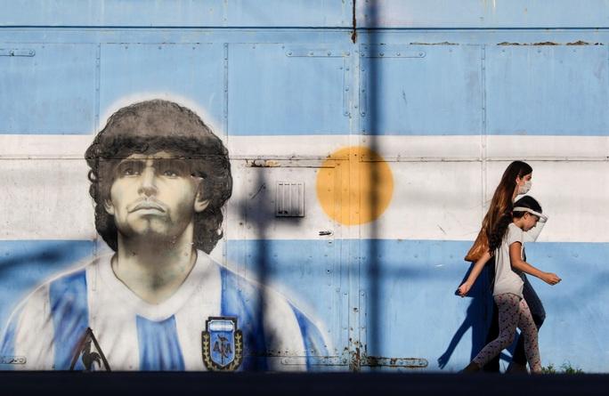 Luật sư thân cận tiết lộ thông tin sốc về Maradona trước lúc mất - Ảnh 1.