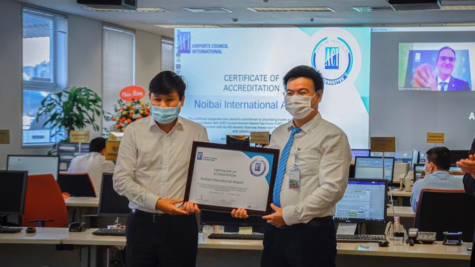 Sân bay Nội Bài được cấp chứng nhận an toàn chống dịch Covid-19 - Ảnh 2.