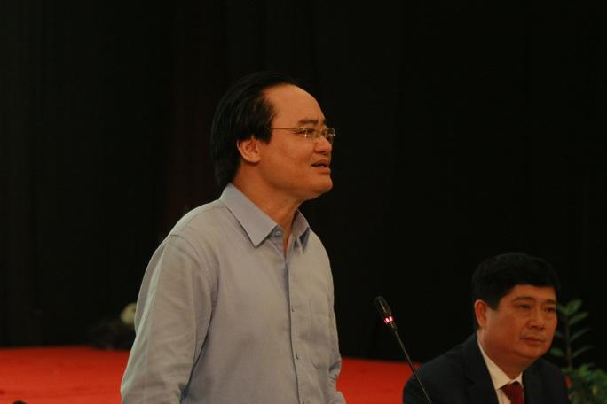 Bộ trưởng Phùng Xuân Nhạ: Phải rút kinh nghiệm sạn trong sách giáo khoa lớp 1 - Ảnh 2.