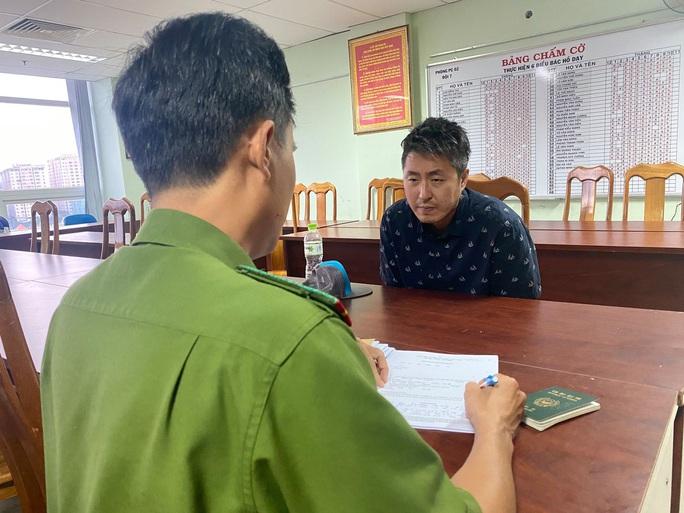 Giám đốc Hàn Quốc sát hại đồng hương man rợ khai thêm về món nợ 2,7 tỉ đồng - Ảnh 1.
