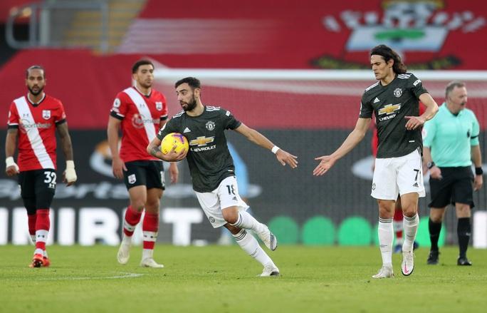 Cavani lập cú đúp siêu hạng, Man United ngược dòng tưng bừng trước Southampton - Ảnh 5.