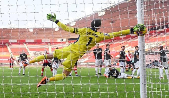 Cavani lập cú đúp siêu hạng, Man United ngược dòng tưng bừng trước Southampton - Ảnh 4.