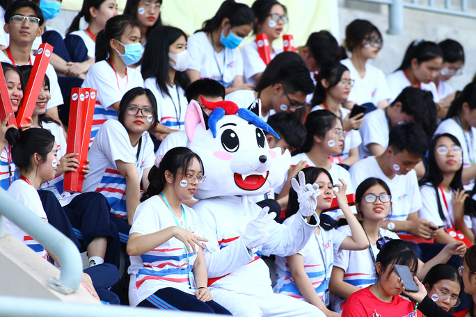 Có ngoại binh, Trường Đại học Tôn Đức Thắng vẫn lỡ hẹn bán kết SV-League - Ảnh 5.