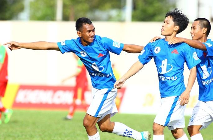 Có ngoại binh, Trường Đại học Tôn Đức Thắng vẫn lỡ hẹn bán kết SV-League - Ảnh 2.