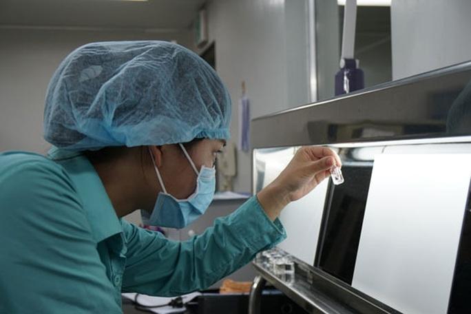 Mong sớm có vắc-xin Covid-19 made in Vietnam - Ảnh 1.