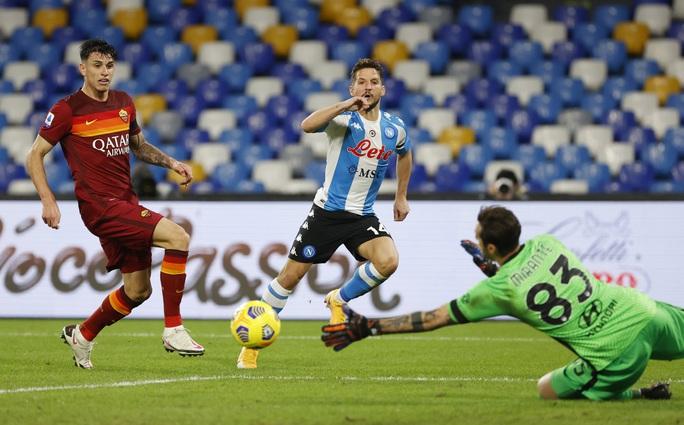 Napoli tri ân Maradona bằng chiến thắng đậm - Ảnh 4.
