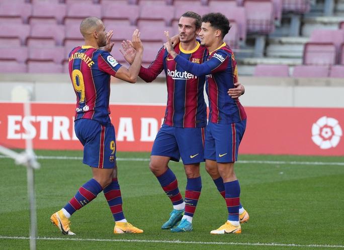 Messi, Griezmann cùng lập siêu phẩm, Barcelona lên Top 7 La Liga - Ảnh 6.