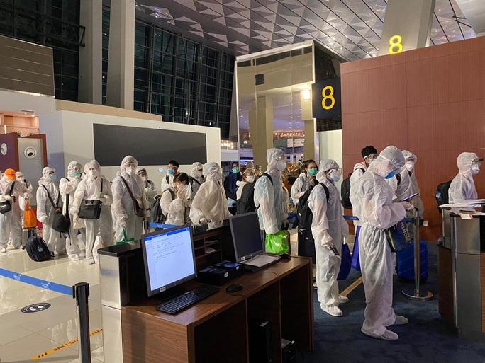 Ba chuyến bay đưa người Việt từ hơn 20 quốc gia về nước - Ảnh 1.