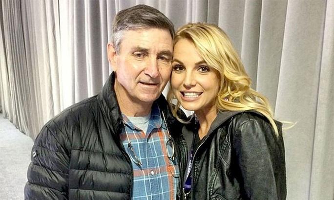 Britney Spears trấn an người hâm mộ rằng vẫn ổn - Ảnh 3.