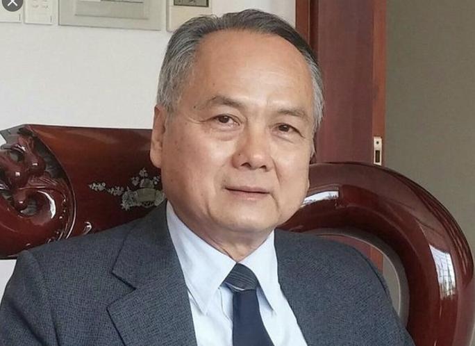 PGS-TS Đỗ Văn Xê rời ghế hiệu trưởng Trường ĐH Hùng Vương - Ảnh 1.