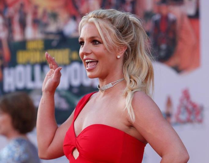 Britney Spears trấn an người hâm mộ rằng vẫn ổn - Ảnh 1.