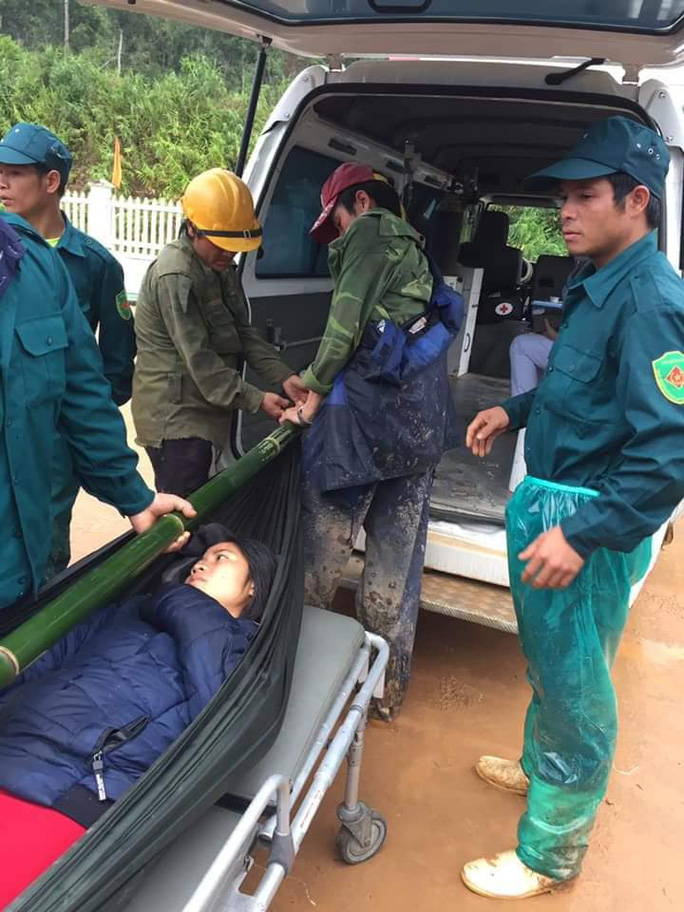 Được khiêng bộ 20 km đường rừng đi cấp cứu, thai phụ đau lòng nhận tin dữ - Ảnh 6.