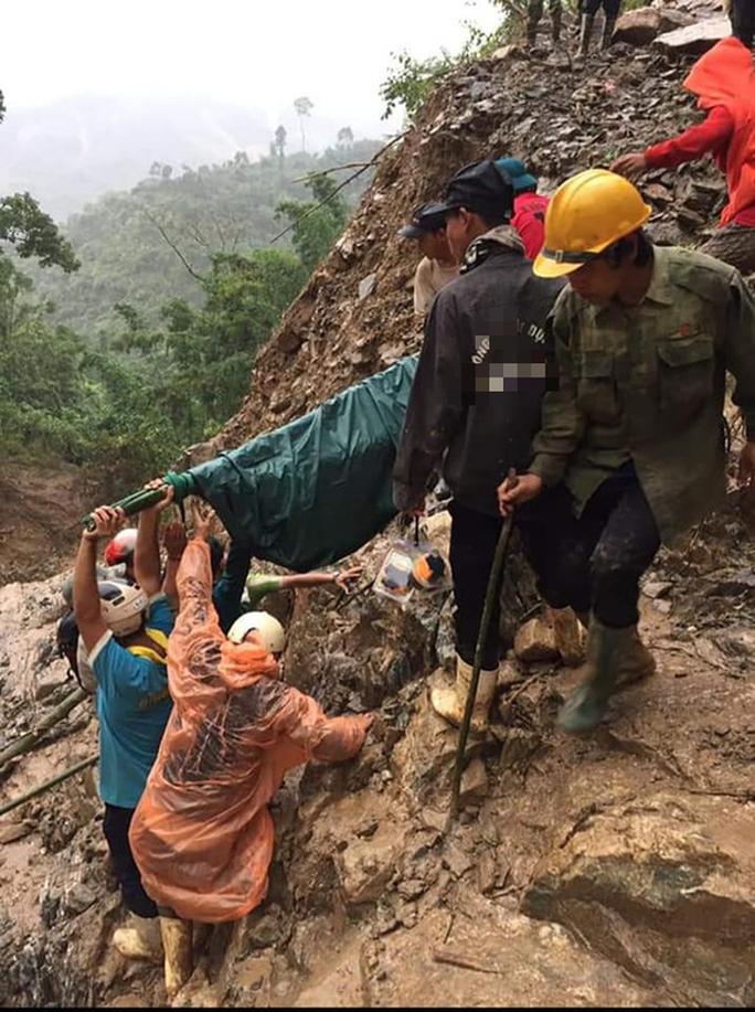 Được khiêng bộ 20 km đường rừng đi cấp cứu, thai phụ đau lòng nhận tin dữ - Ảnh 5.