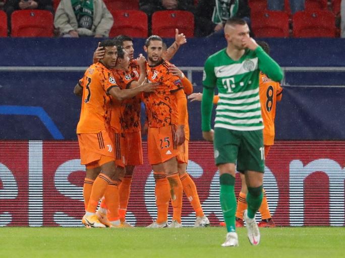 Ronaldo tái xuất, Juventus đại thắng ở Champions League - Ảnh 2.