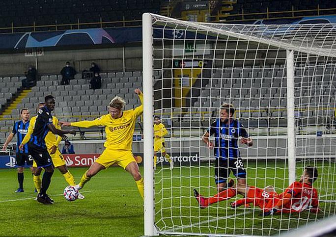 Dortmund thắng to ở Champions League, Haaland lập kỳ tích không tưởng tuổi 20 - Ảnh 3.