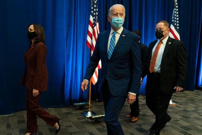 Tổng thống Trump bận rộn với tòa án, ông Biden khởi động chuyển giao quyền lực - Ảnh 2.