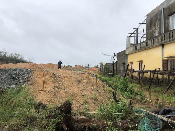Quảng Ngãi: Thi công dự án làm tắt nghẽn lối thoát nước, gây ngập nhà dân - Ảnh 7.