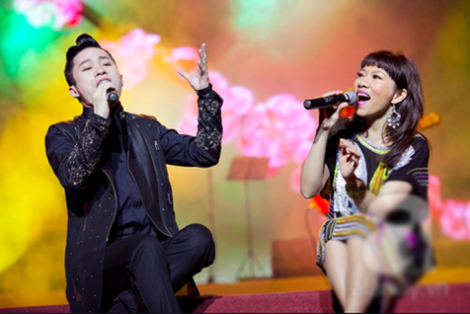 Hà Trần chấp nhận bị cách ly 14 ngày về hát trong show của Tùng Dương - Ảnh 1.