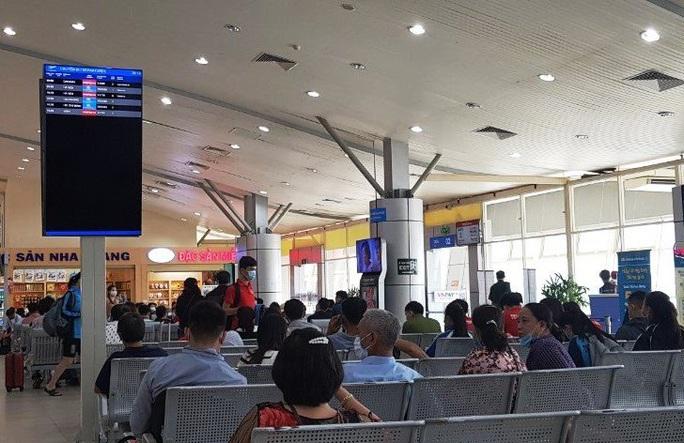 Sân bay Cam Ranh ngừng phát thanh thông tin chuyến bay - Ảnh 2.