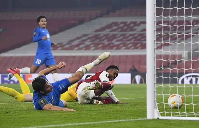 Arsenal ngược dòng kỳ lạ, Harry Kane ghi bàn thứ 200 cho Tottenham - Ảnh 7.