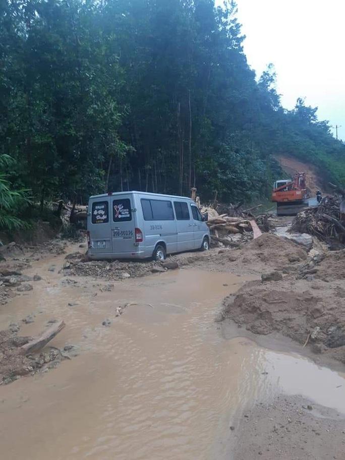 Trà Leng hứng mưa lũ, thủy điện Sông Tranh 2 xả lũ hơn 3.000 m3/giây - Ảnh 3.