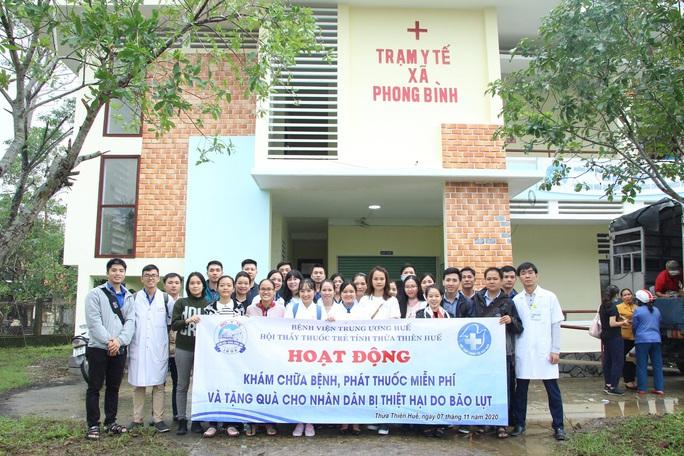 Khám chữa bệnh miễn phí cho người dân vùng bão lũ Thừa Thiên - Huế - Ảnh 3.
