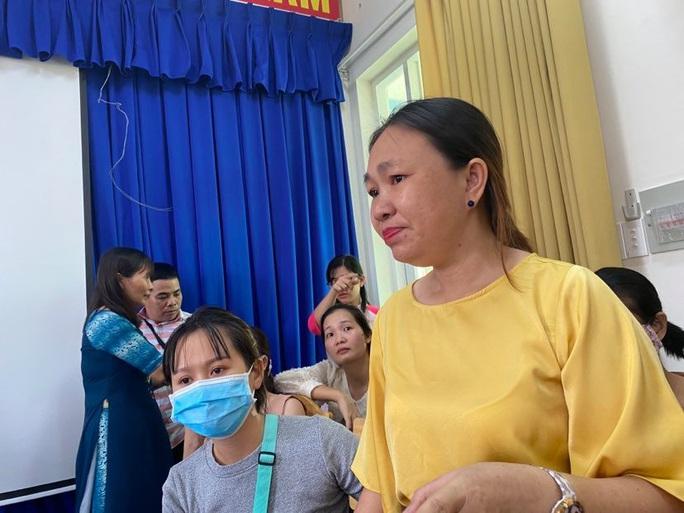 Phụ huynh bật khóc khi chứng kiến bữa ăn bán trú: Kiểm tra toàn diện Trường Tiểu học Trần Thị Bưởi - Ảnh 1.