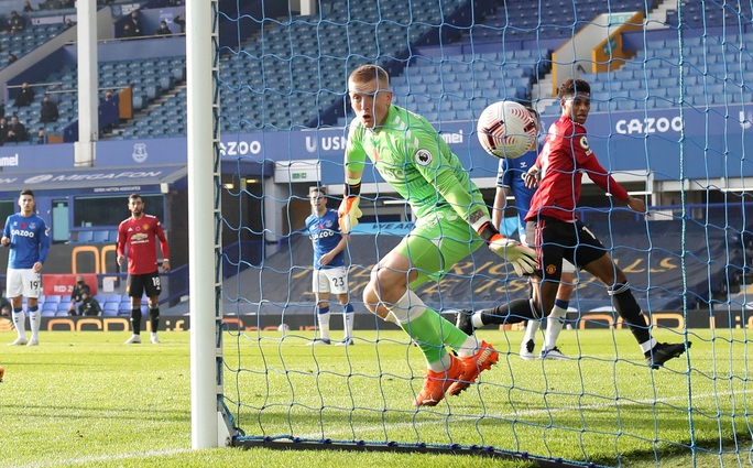 Man United đè bẹp Everton 3-1, cứu ghế HLV Solskjaer - Ảnh 6.