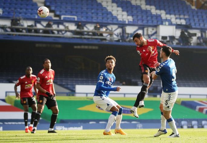 Man United đè bẹp Everton 3-1, cứu ghế HLV Solskjaer - Ảnh 4.