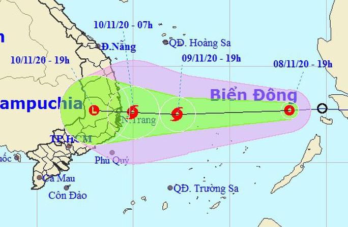 Áp thấp nhiệt đới vào Biển Đông, khả năng mạnh lên thành bão số 12 - Ảnh 1.