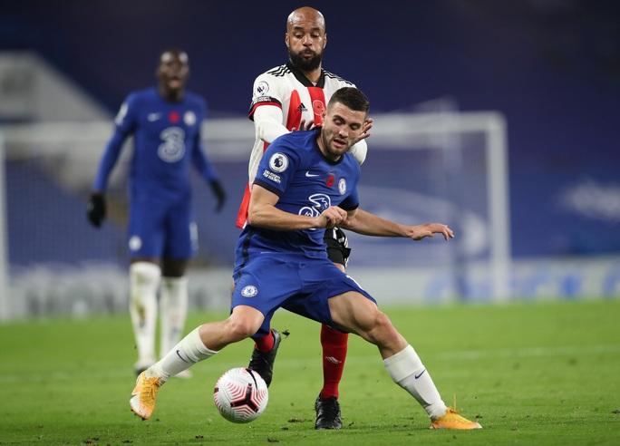 Ngược dòng chấn động Stamford Bridge, Chelsea vọt vào Top 3 Ngoại hạng Anh - Ảnh 1.