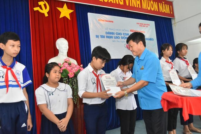 Học bổng Báo Người Lao Động đến với học sinh nghèo, học giỏi Bến Tre - Ảnh 5.