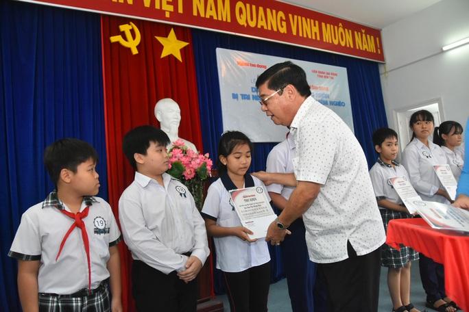 Học bổng Báo Người Lao Động đến với học sinh nghèo, học giỏi Bến Tre - Ảnh 8.