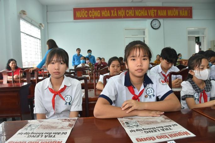 Học bổng Báo Người Lao Động đến với học sinh nghèo, học giỏi Bến Tre - Ảnh 16.