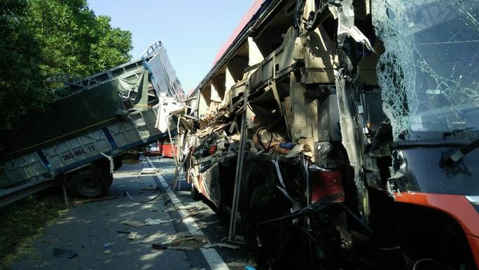 Tai nạn ở cao tốc Pháp Vân - Cầu Giẽ, 4 người bị thương - Ảnh 1.