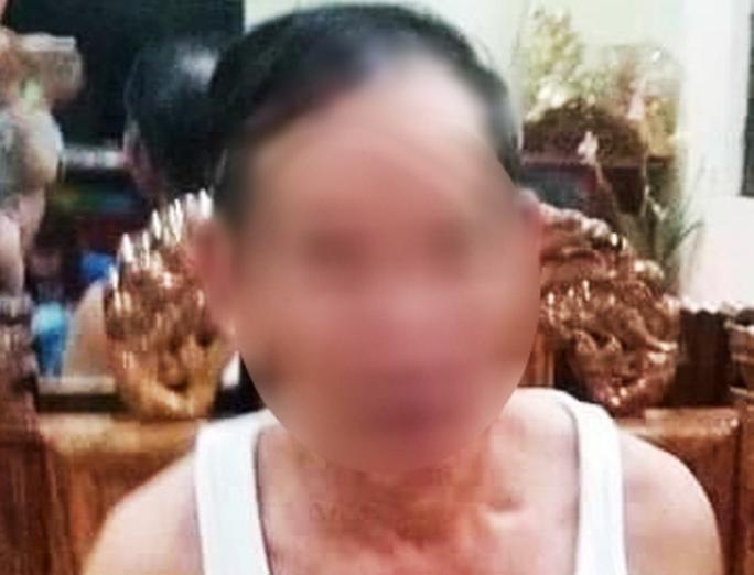 Tạm giữ ông già 73 tuổi bị tố nhiều lần hiếp dâm bé 13 tuổi - Ảnh 1.