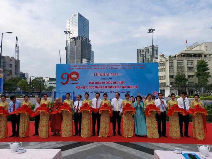 Triển lãm ảnh MTTQ Việt Nam - nơi hội tụ sức mạnh khối đại đoàn kết toàn dân tộc - Ảnh 2.