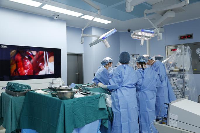 Thanh niên được ghép 2 tay và 5 người ghép tạng từ người hiến chết não - Ảnh 6.