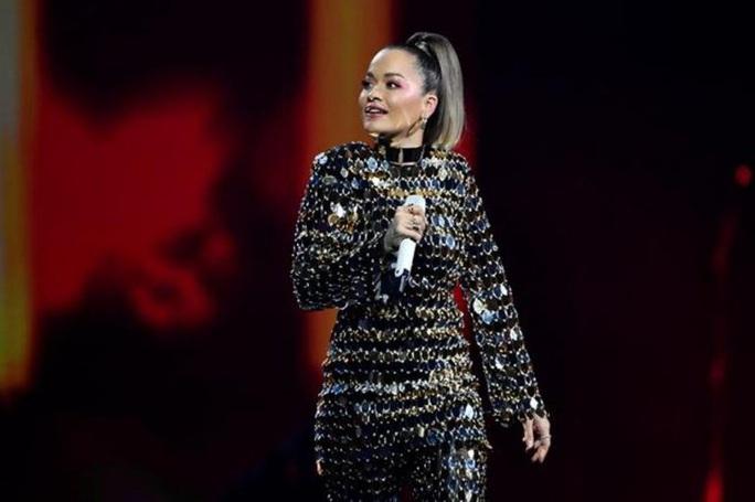 Rita Ora xin lỗi, nộp phạt hơn 300 triệu đồng vì mở tiệc giữa dịch Covid-19 - Ảnh 2.