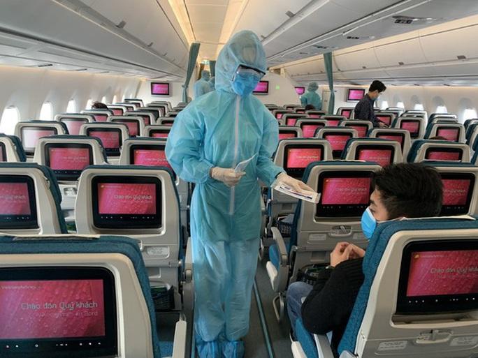 Bệnh nhân Covid-19 là tiếp viên hàng không Vietnam Airlines cách ly 4 ngày đúng hay sai? - Ảnh 1.