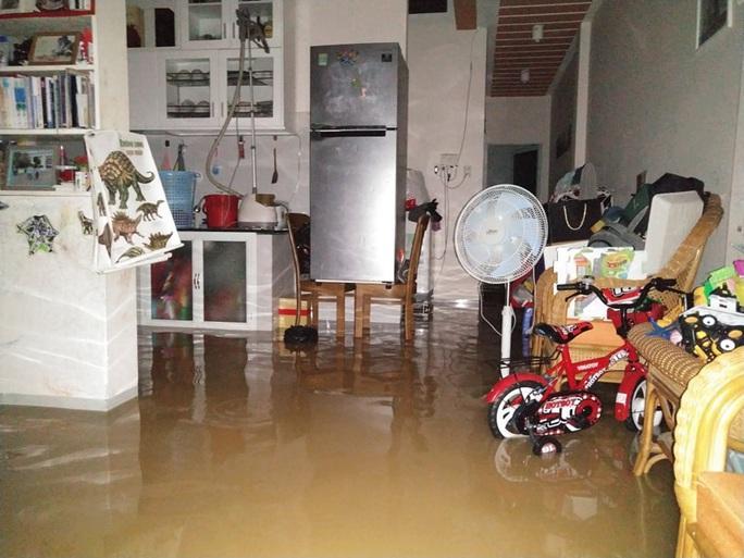Khánh Hòa: 3 cha con tử nạn vì bị nước lũ cuốn trôi - Ảnh 1.