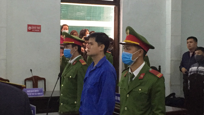 Sắp mở lại phiên tòa xét xử cựu bác sĩ Phương ở Huế - Ảnh 1.