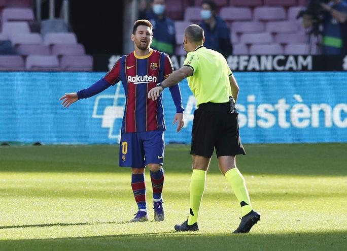 Cởi áo tri ân huyền thoại, Messi nộp phạt nóng 3.000 euro - Ảnh 5.