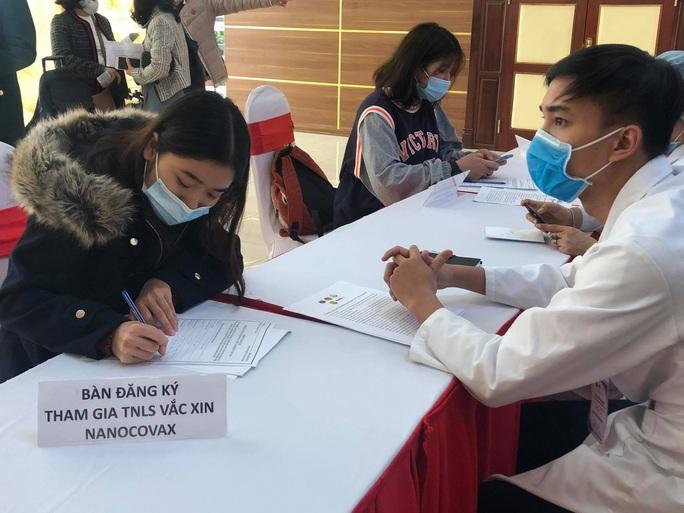 CLIP: Rất đông người tình nguyện đăng ký thử nghiệm vắc-xin Covid-19 - Ảnh 6.