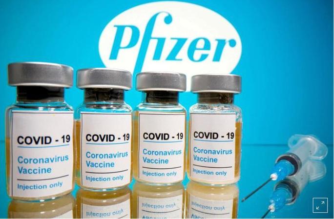 Anh: Người dị ứng nặng tiêm vắc-xin Covid-19 bị sốc phản vệ - Ảnh 1.
