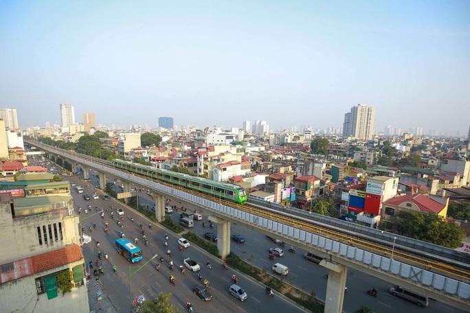 CLIP: Cận cảnh chạy thử thương mại toàn tuyến đường sắt Cát Linh - Hà Đông - Ảnh 3.