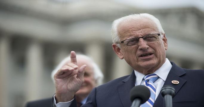 Xuất hiện thư kêu gọi truất ghế 126 nghị sĩ Cộng hòa ủng hộ vụ kiện Texas - Ảnh 1.