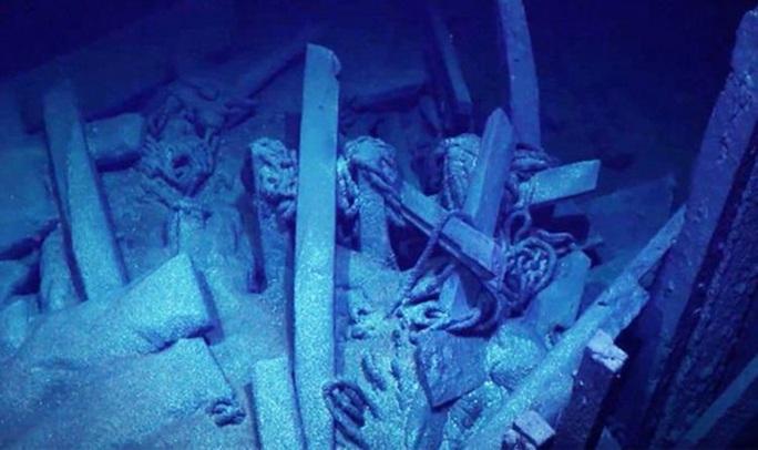 Tàu ma 300 tuổi hiện ra ở nơi sinh vật nào lạc tới đều phải chết - Ảnh 2.