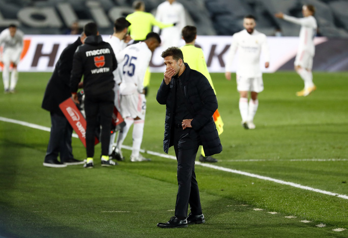 Thủ môn ghi bàn bằng lưng, Real Madrid hạ Atletico trận derby thủ đô thứ 226 - Ảnh 7.